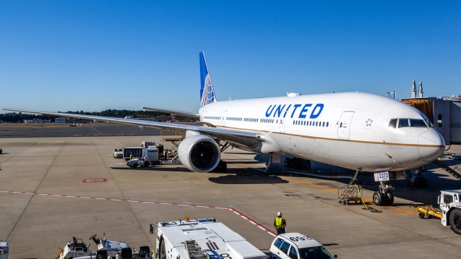 United Airlines cancela todos sus vuelos desde Newark