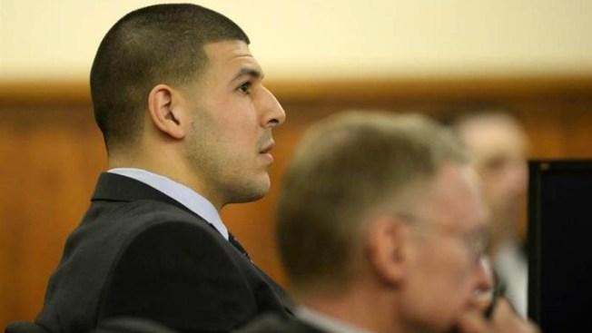 Juez niega petición de abogado de Aaron Hernandez de interrogar confidente