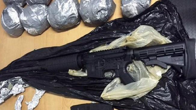 Decomisan armas y 3,300 cartuchos en Nuevo León