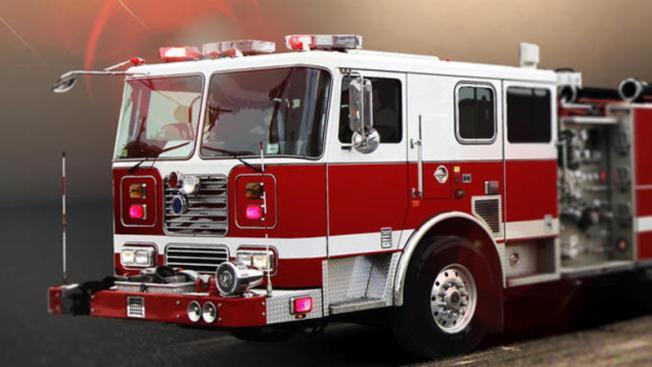 Despiden jefe de bomberos de Danvers