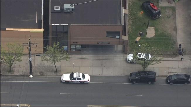 2 personas resultan heridas de bala en oficina de médico