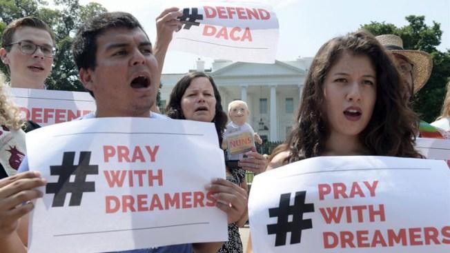Futuro de dreamers aún es incierto: Trump anunciará fin de DACA