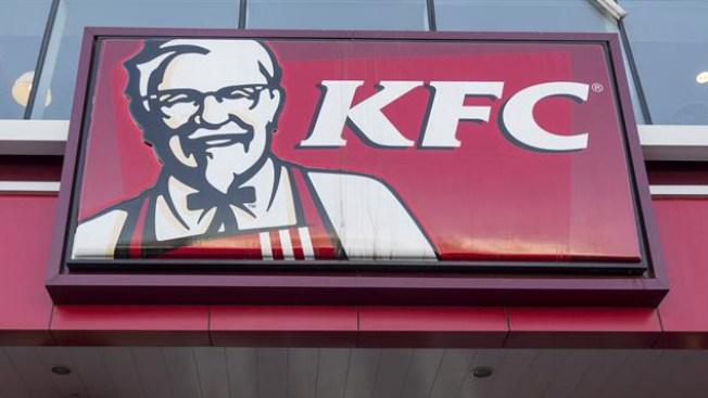 Reino Unido: cierran más de 450 restaurantes KFC por falta de pollo