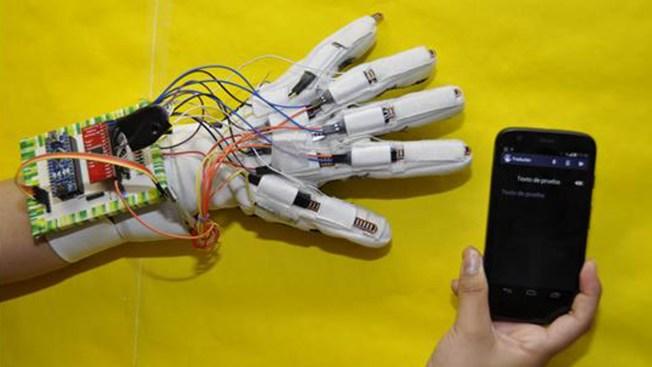 ¡Increíble! Un guante traduce lenguaje de señas