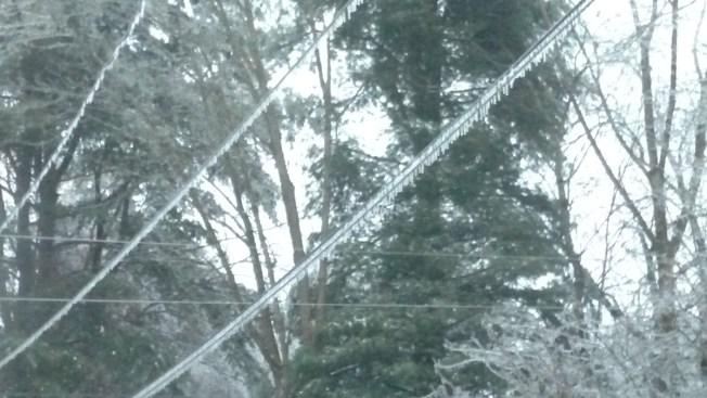 Miles sin energía en Connecticut por lluvia helada