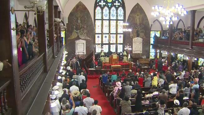 Reanudan servicios en iglesia de Charleston