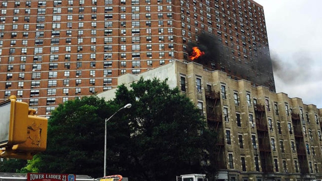 Incendio en edificio de Harlem deja 22 heridos