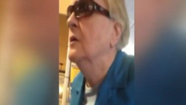 A gritos, insultan a inmigrante por hablar español