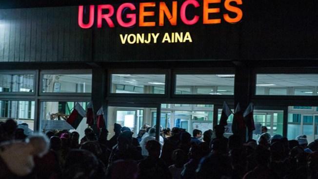 Deja estampida humana 16 muertos y 82 heridos