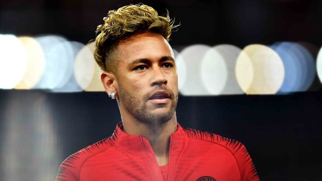 Mujer acusa a Neymar de violación en París, pero su padre dice que se trata de intento de extorsión
