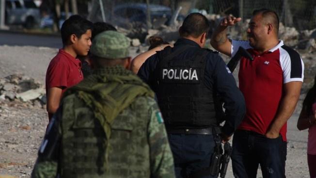 Policías asaltan a migrantes cubanos en un hotel