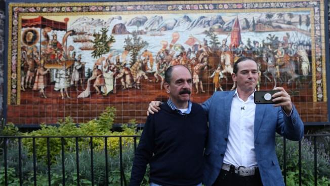 A 500 años, descendientes de Moctezuma y Cortés se abrazan