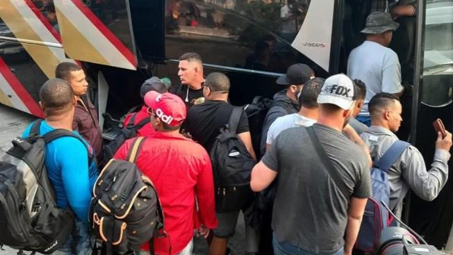 Interceptan a 195 migrantes en tres autobuses
