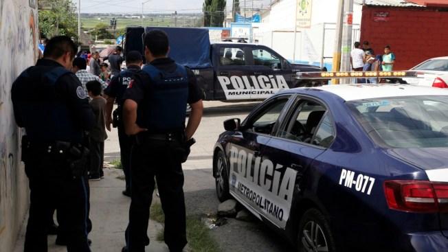 Jefe policial suspendido tras agresión a periodistas