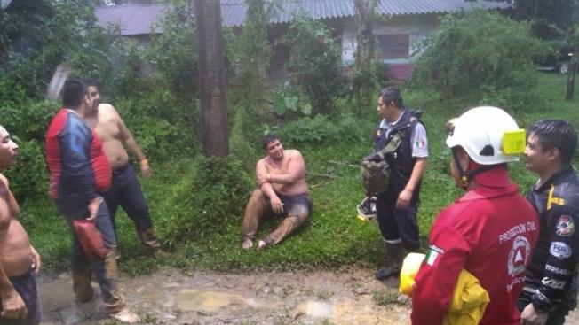Rescatan a 45 competidores de rally atrapados en ríos