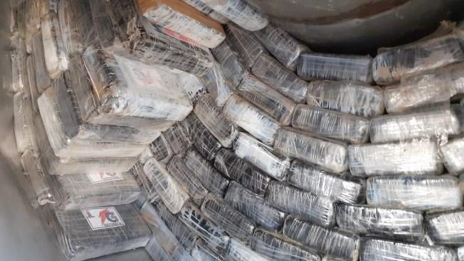Confiscan más de una tonelada de cocaína