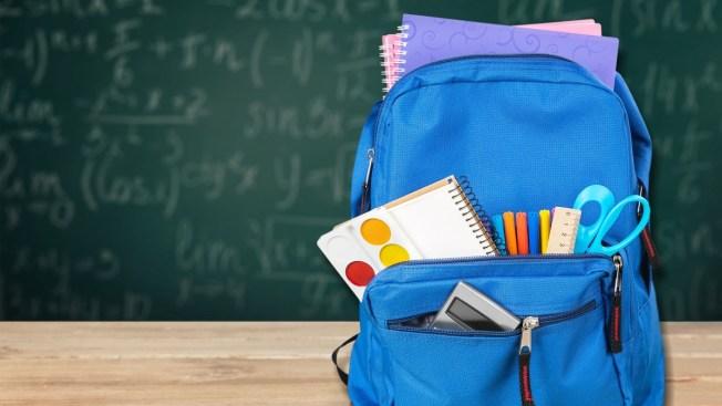 Buscan donar más de mil mochilas para estudiantes de El Paso