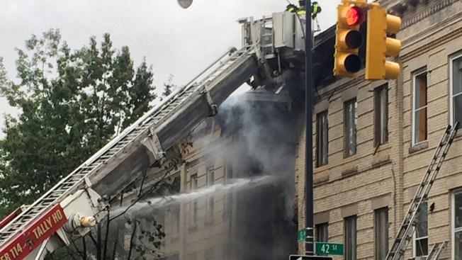 Explosión de gas deja un muerto y tres heridos