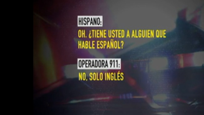 Operadora cuelga una llamada en español