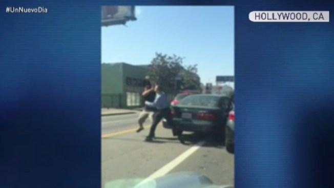 Captado en cámara: pelea de conductores