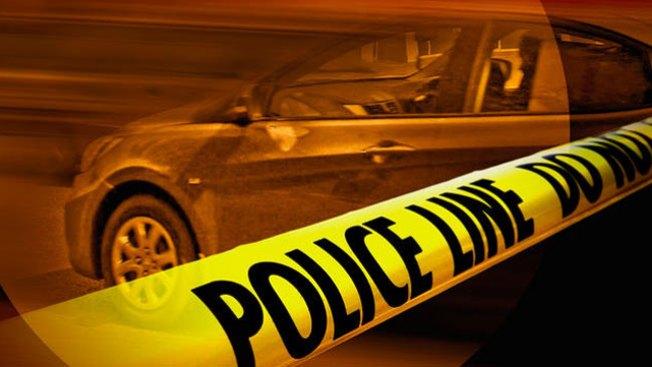 Hallan hombre baleado a muerte dentro de un auto en L.I.