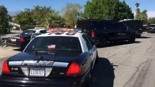 Mataron a tiros a dos policías en California, el agresor está prófugo
