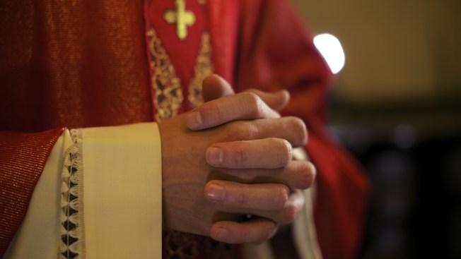 México: Obispo dice que no casará a parejas gays