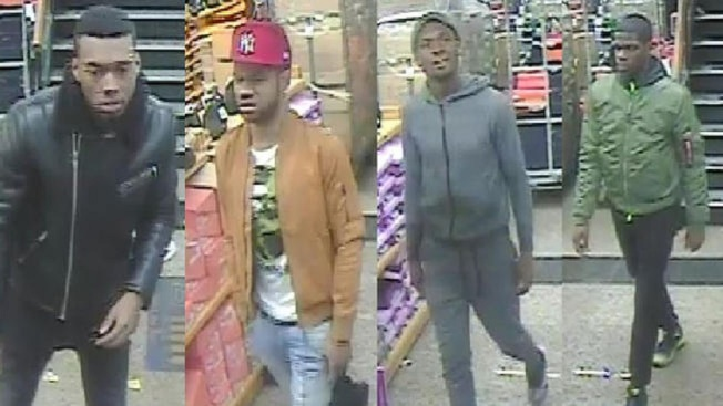 Ladrones llenan bolsa de tenis tras robo en una tienda