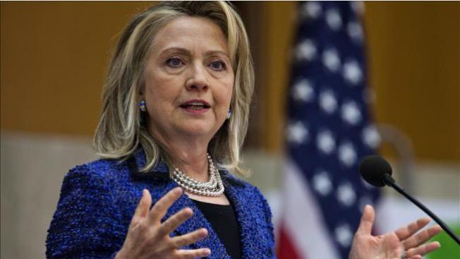 Hospitalizan a Hillary Clinton