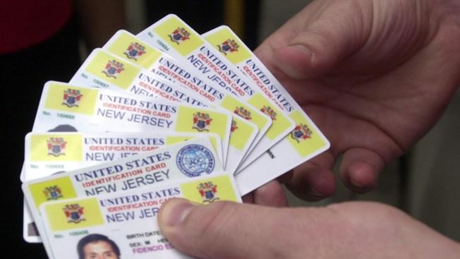 Fraude con licencias de conducir telemundo 47 for Motores y vehiculos nj
