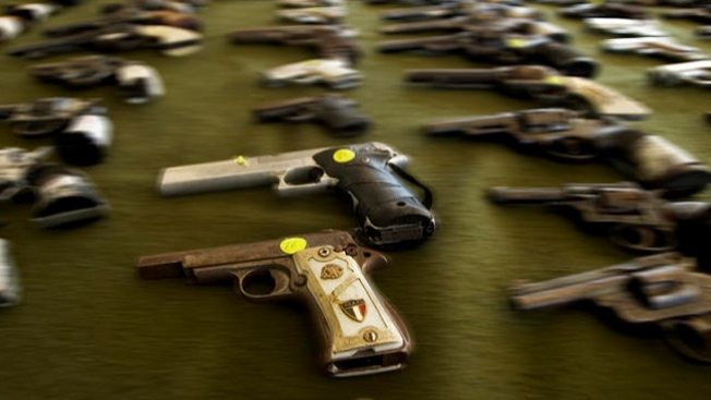 Armas se rodean de polémica