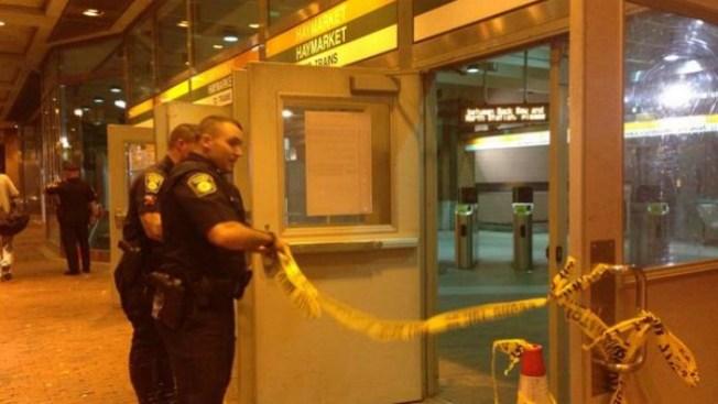 Rescatan hombre debajo de tren MBTA