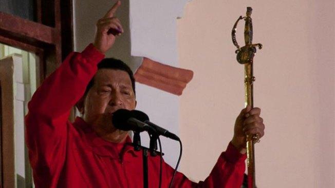 Chávez gana pero divide