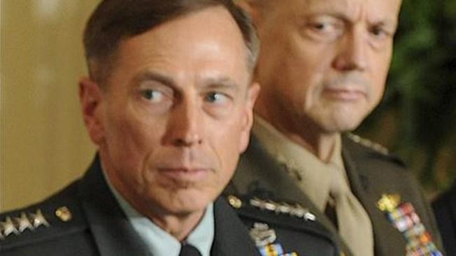 La CIA investiga a Petraeus