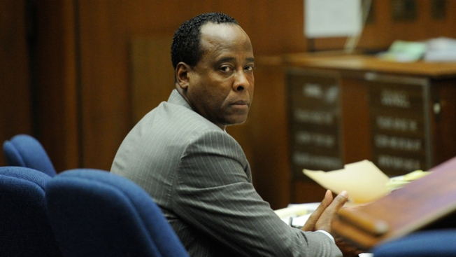 Conrad Murray sale en libertad