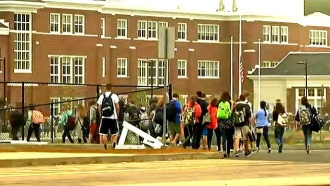 Evacuada escuela por amenaza vía email