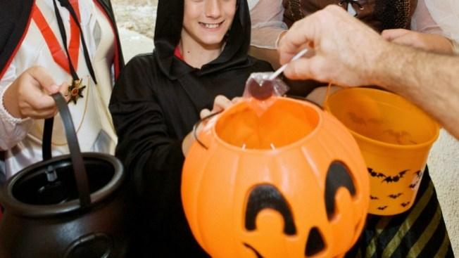 En líos por pelea con niños en Halloween