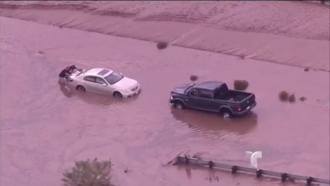 Severas inundaciones azotan a Arizona