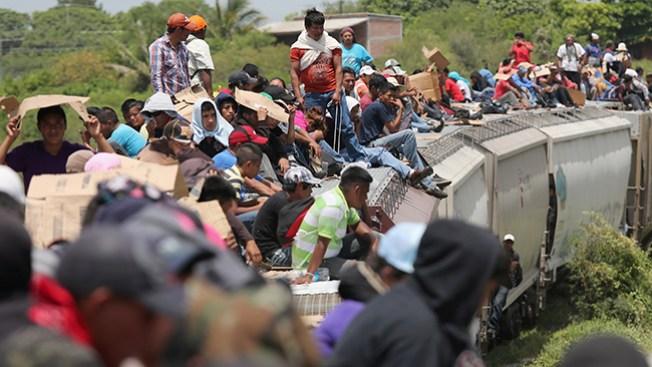 """Descarrila """"La Bestia"""" al sur de México"""