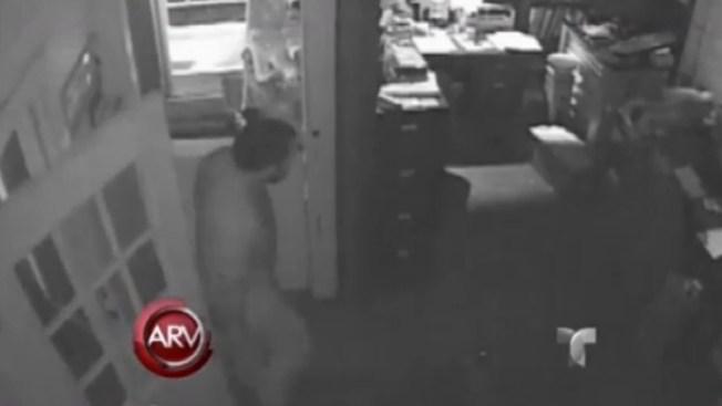 Ladrón se queda dormido durante robo