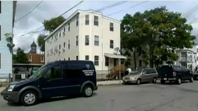 Mujer asesinada en su casa en Lawrence