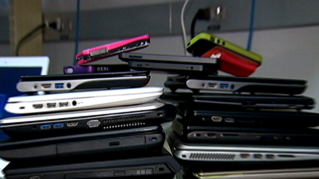 ¿Qué debe hacer con aparatos electrónicos que no quiere?