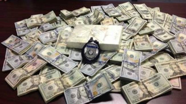 Arrestan a latino con cocaína y $87,000