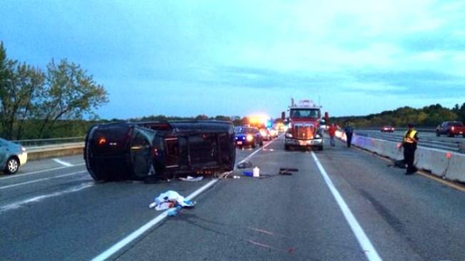 Caos vial tras volcamiento en la I-93
