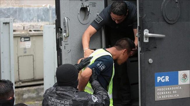 Arrestan a líder acusado de desaparecer estudiantes