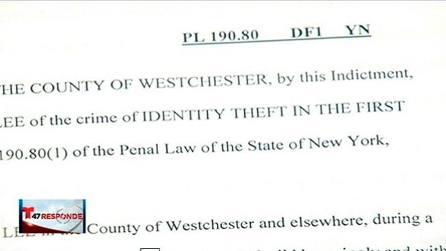 Cajeros liados a robos de identidad