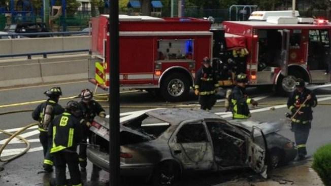 Auto en llamas en Storrow Drive