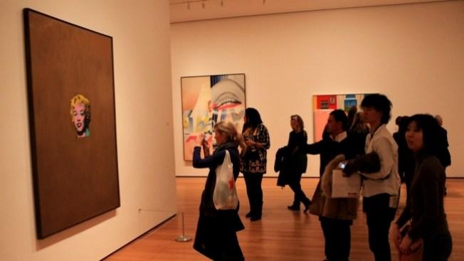Artista hispano elogiado en el MOMA de NY
