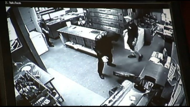 Captado en video robo a pizzería