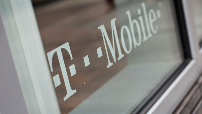 Acusan a T-Mobile de cobros falsos